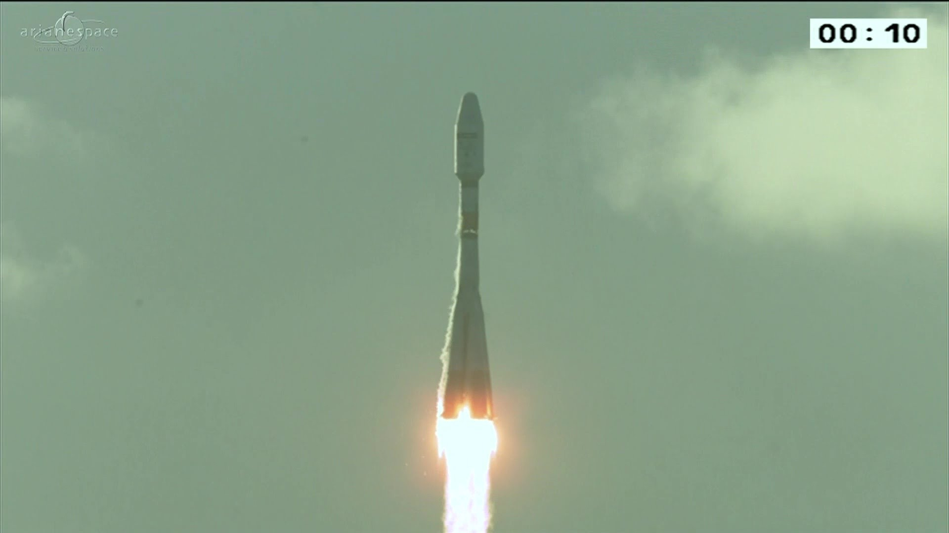 After being delayed for three days continuously, the Sentinel-1B satellite was launched on Soyuz flight VS14 from Europe?s Spaceport in Kourou, French Guiana, on Monday at 23:02 CEST (21:02 GMT). The launch was originally planned for 22 April but weather conditions and a technical issue delayed liftoff.