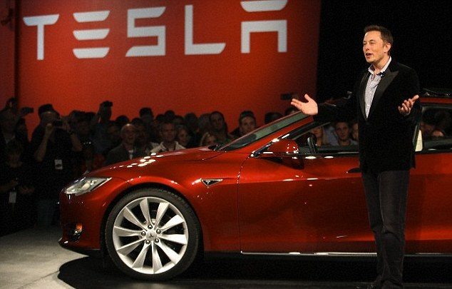 Tesla CEO criticizes Google co-founder, Larry Page's decision of using LiDAR in their early-stage self-driving cars.
