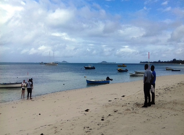 Authorities of Seychelles' are using GPS for surveying beaches that are under the threat of coastal erosion.