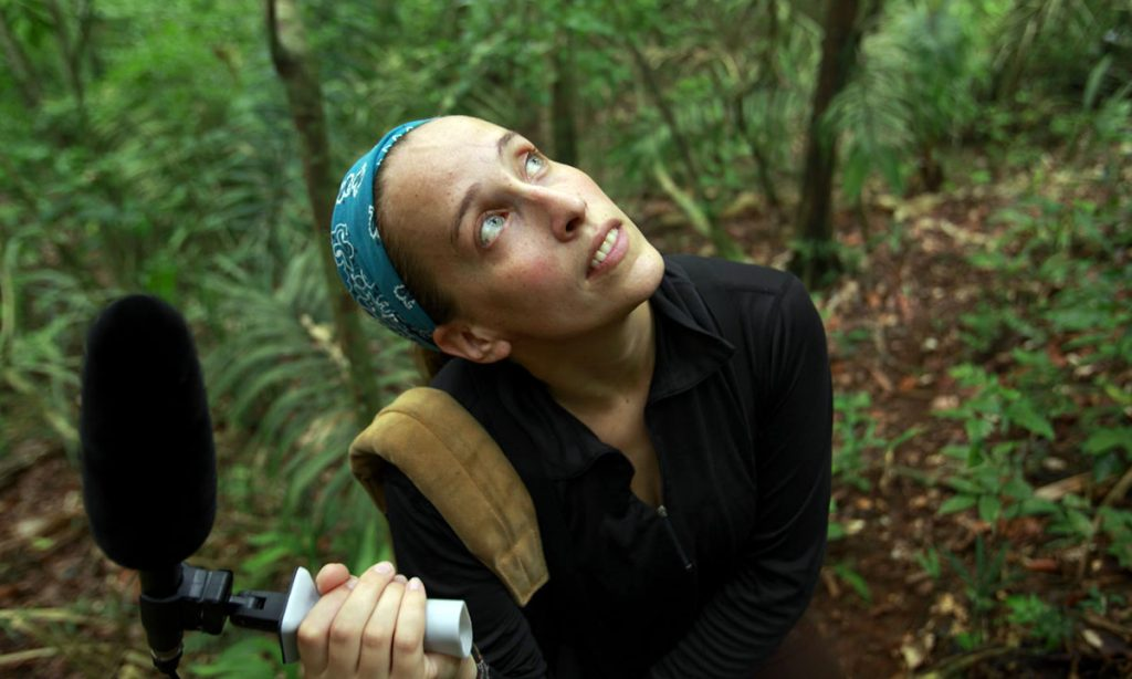 Dr. Margaret Crofoot, primatologist Princeton University/ Max-Planck- Institute/ STRI post doc. conducting field work on Barro Colorado Island/ Panama. Meg is using a high end microphone to record valalisations of White faced capucin monkeys.