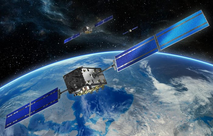 europe-galileo-navigation-satellites-orbit-above-earth