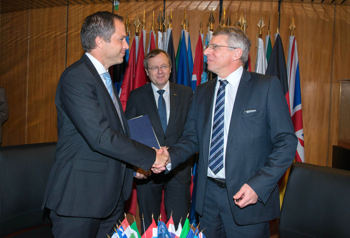 ESA, ArianeGroup sign contract