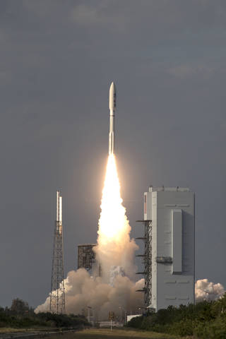 GOES-S launched