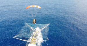 捕捉到天空下降的有效载荷!Spacex的奇迹