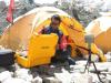 这是2019年5月20日至21日,尼泊尔珠穆朗玛峰峰顶观测团队在南山口和随后的峰顶调查所经历的第一手资料。这就是考察队所面临的挑战和困难,以及他们如何解决这些问题。